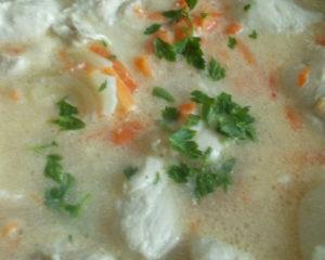 Вкусное и полезное блюдо из курицы - курица тушеная в сметанном соусе