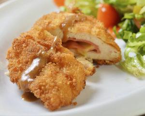 Куриная фаршированная котлета - вкусное блюдо из куриного филе