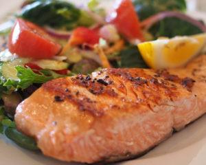 Блюда из красной рыбы вкусны и полезны, их не сложно приготовить, вкус всегда потрясающий