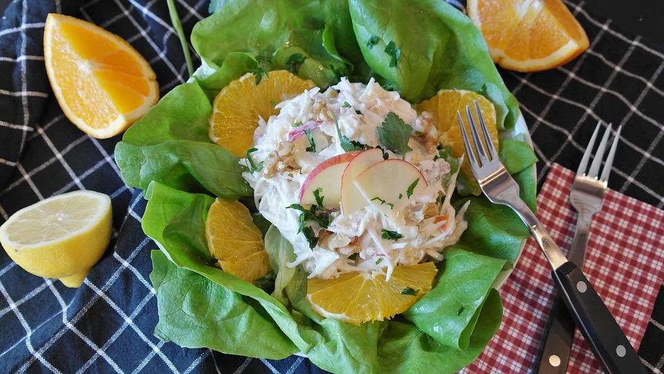 Салат из сельлдерея с апельсином - заряд витаминов