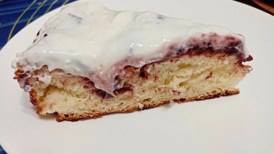 кусочек пирога с черемухой