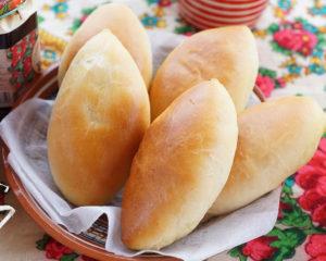 Вкусные домашние пирожки из дрожжжевого теста с начинкой, печеные