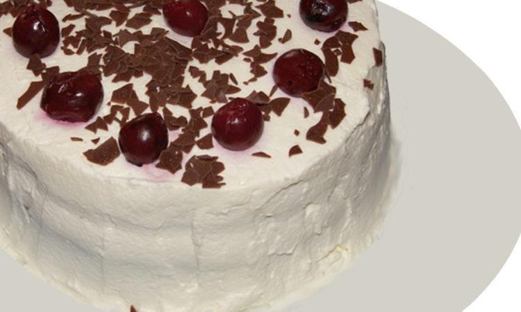 Торт из черемухи или черемуховый торт, как вам нравится, главное вкус понравится точно, нежные коржи, пропитанные сиропом и сметанный крем, очень вкусно