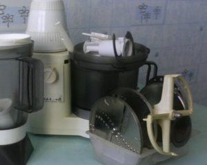 Отличный, надежный простой в управлении кухонный комбайн Элекма