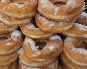 пончики - вкусное лакомство