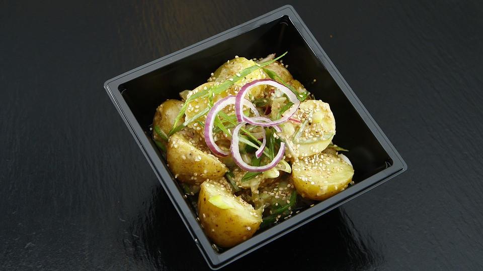 Салат из каратофеля с луком